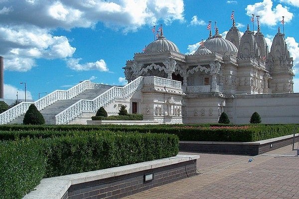 BAPS Shri Swaminarayan Mandir London in North West London